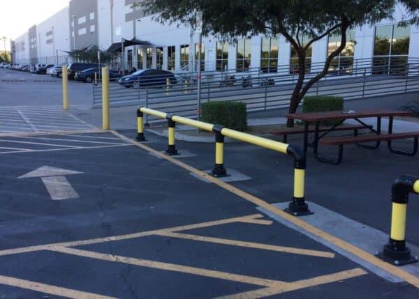 Conector en forma de t tipo 1 protegiendo peatones